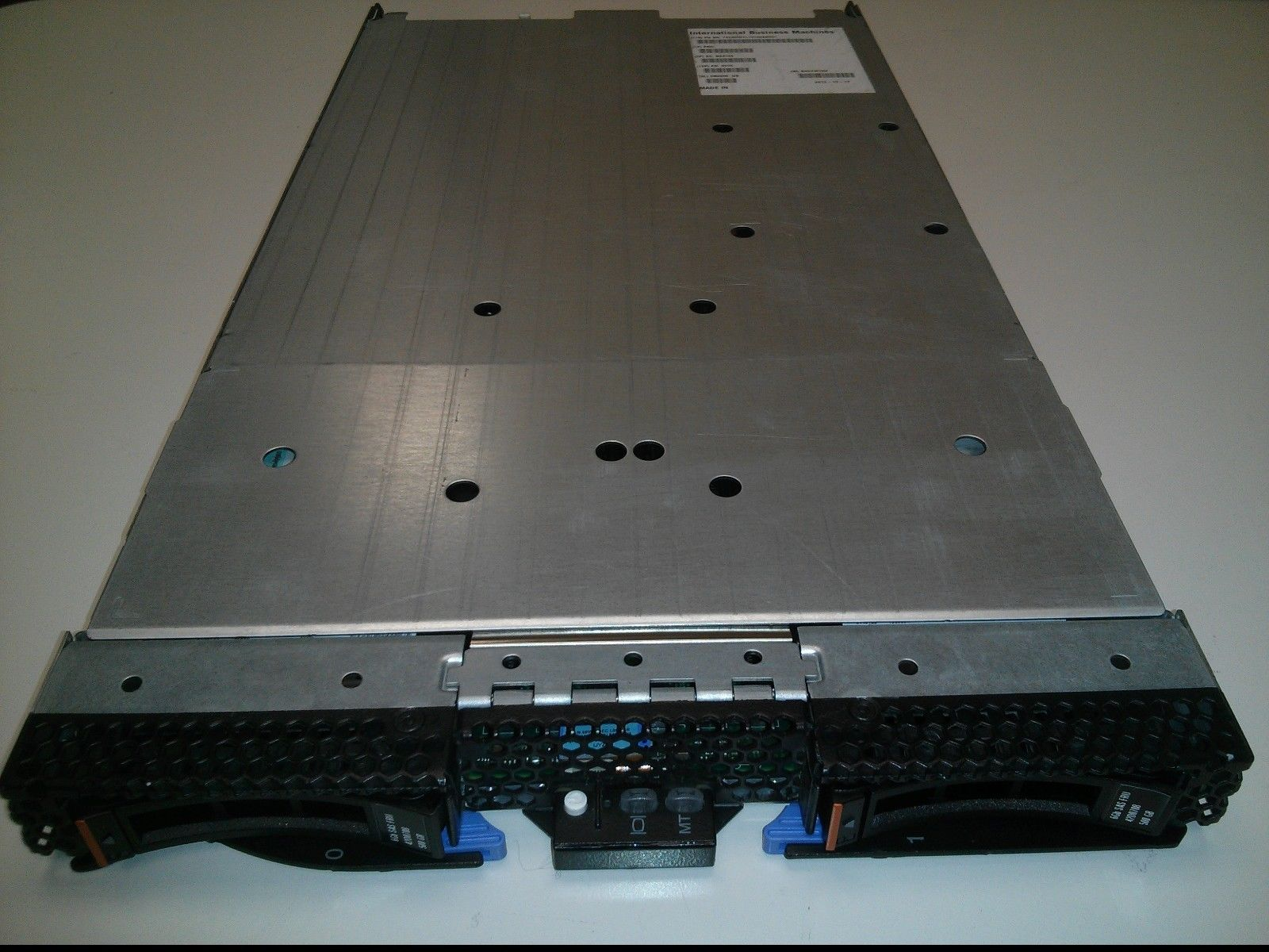 IBM HS22 Blade Server /2XE5540 CPUs/32GB/2x500GB/7870-AC1
